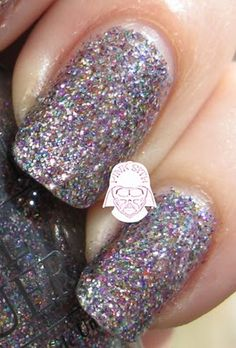 Have you tried this super easy way to remove Glitter nail polish yet?  All you need is some cotton, nail polish remover & aluminum foil.