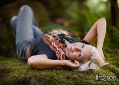 Great senior girl photography pose idea  I like the one of the blond in the tall grass