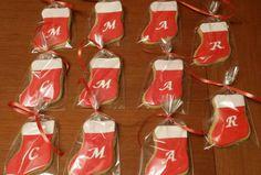 Galletas de calcetín con las iniciales de los invitados en Mochebuena!