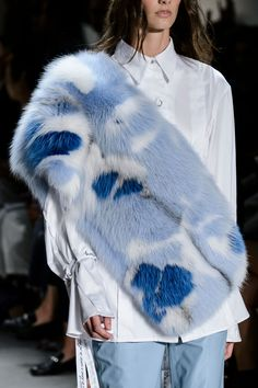 Prabal Gurung Real or faux, it's pretty as hell!!