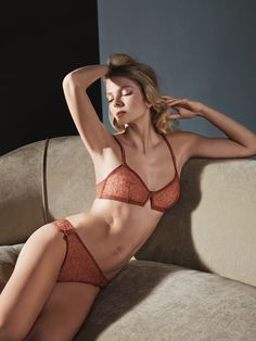 Our Louvre bra and Montmartre pants from the Batignolles theme, inspired by autumn tree leaves for a walk in parisian gardens. #EresParis #EresInspired #Lingerie #FW15 #Parisian