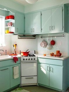 If you're searching to redo your kitchen having a more vintage kitchen design, Heartland has all of the vintage kitchen appliances you should pull it ...