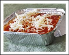 Convenient disposable foil pans for freezer meals. They come in 9 different sizes!