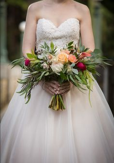 Timeless wedding flowers bouquets