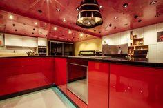 Showroom, Kitchen Cabinets, Home Decor, Decoration Home, Room Decor, Cabinets, Home Interior Design, Fashion Showroom, Dressers