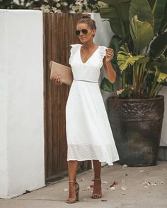 Bodytex Carolina Eyelet Dress - FINAL SALE Discover what colors suit your dwelling. Fall Dresses, Elegant Dresses, Summer Dresses, Dresses Dresses, Summer Outfits, Dress Skirt, Dress Up, Midi Skirt, Dress Outfits