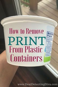 Do you have a collection of butter spread, cottage cheese or sour cream tubs you use for leftovers? Here's how to remove print from plastic containers! Crafts How to Remove Print from Plastic Containers Deep Cleaning Tips, House Cleaning Tips, Diy Cleaning Products, Cleaning Solutions, Spring Cleaning, Cleaning Hacks, Cleaning Recipes, Hacks Diy, Easy Hacks