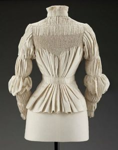 Woman's blouse      English, 1890s--look at all that smocking! Holy cow gorgeous...