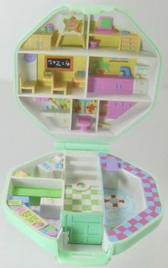 1990 Vintage Polly Pocket Complete Polly's School Bluebird Toys (37315)