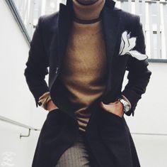 Pinterest:@keraavlon Winter Coat. Love the handkerchief and sweater #MensFashion
