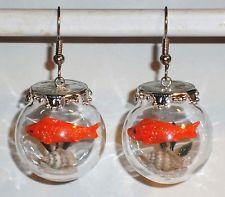 Ausgefallene Ohrringe Glaskugel mit Fisch handgemacht Edelstahl Ohrhänger Glas