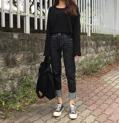 Here Are Some Great casual korean fashion 5327 Casual Asian Fashion, Korean Fashion Tomboy, Korean Fashion Trends, Korean Street Fashion, Ulzzang Fashion, Korea Fashion, Minimal Fashion, Grunge Style, Soft Grunge