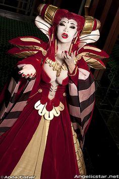 "Vampire queen from ""Vampire Hunter D"" Yaya Han - Costume Designer and International Model and Cosplay Entertainer"