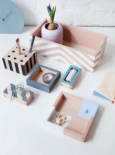 Diy Arts And Crafts, Wood Crafts, Diy Crafts, Wooden Box Crafts, Painted Wooden Boxes, Wooden Diy, Pottery Painting Designs, Pot A Crayon, Ideias Diy