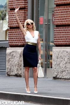 Cameron Kisses Her Costar in Between Canine Scenes: Cameron Diaz hailed a cab while filming scenes for her movie The Other Woman in NYC.
