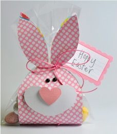 Free PRINTABLE Bunny Bag Toppers - - Can you believe Easter is only three weeks away? I feel like I was playing Santa Clause just yesterday and. Easter Projects, Easter Crafts For Kids, Happy Easter, Easter Bunny, Bunny Bunny, Diy Christmas Gifts, Holiday Crafts, Homemade Gifts For Boyfriend, Diy And Crafts