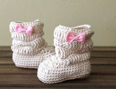 @tatertot87 It's love... I need these!  Crochet Booties Baby Girl Booties Crochet by stitchesbystephann