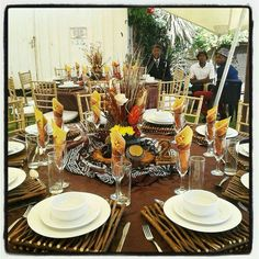 Traditional Table Setting - Table Design Ideas - DIY and crafts African Wedding Theme, African Theme, African Wear, Zulu Traditional Wedding, Traditional Decor, Wedding Centerpieces, Wedding Decorations, Wedding Ideas, Decoration Inspiration