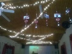 Decoração para evento usando corações em kirigami. (Molde do coração: Naomi Uezu)