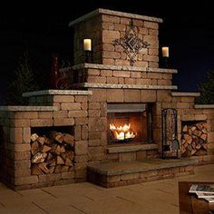 Grand Stone Outdoor Kaminbausatz Grand Stone Kaminbausatz al aire libre, Rustic Outdoor Fireplaces, Outdoor Wood Burning Fireplace, Outside Fireplace, Outdoor Fireplace Designs, Backyard Fireplace, Brick Fireplace, Fireplace Ideas, Pavillion, Outdoor Kitchen Design