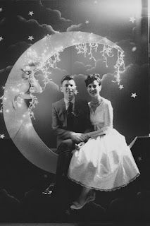 This photo booth is so incredibly awesome! It'd be at my dream 50's party...