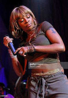 Mary J. Blige during Mary J. Blige in Concert - April 22, 2004 at Radio City Music Hall in New York City, New York, United States.