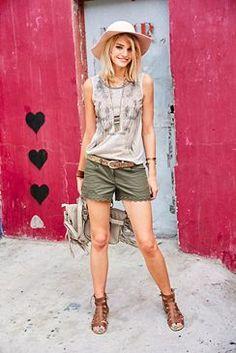 Aniston Shorts, mit Häkelspitze, »etwas niedrige Leibhöhe«