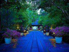 A passage to paradise!  #vivantabytaj #vivanta #rebakisland #moondeck #romantic #rebak #island #privateisland #holiday