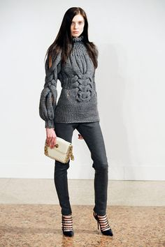 Emilio Pucci 에밀리오 푸치 : Fall/Winter 2009 Ready-to-Wear Milan Cardigans For Women, Coats For Women, Jackets For Women, Linen Stitch, Thick Sweaters, Emilio Pucci, Knit Picks, Pullover, Knitting Designs
