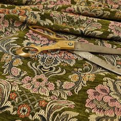 New Modern Damask Floral Pattern Beige Golden Shine Upholstery Furnishing Fabric