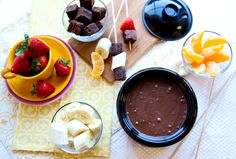 What do you dip in chocolate fondue? Strawberries, bananas, brownies and more! Chocolate Strawberry Desserts, Chocolate Recipes, Chocolate Fondue, Yummy Treats, Sweet Treats, Yummy Food, Fun Food, Party Dip Recipes, Dessert Recipes