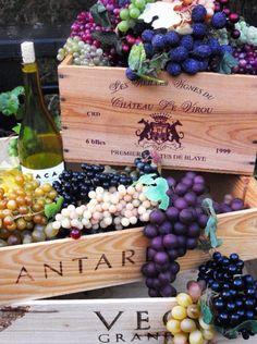 Crates & grapes