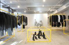 "QUAI 417, ""Yellow Framed Solutions"", pinned by Ton van der Veer"
