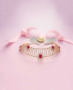 Queen of Hearts by Tanishq - Diamond Jewellery Collections Gold Mangalsutra Designs, Gold Jewellery Design, Diamond Jewelry, Gold Jewelry, Women Jewelry, Tanishq Jewellery, Jewelry Patterns, Necklace Designs, Indian Jewelry