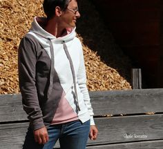 #hoodiesnähen Hoodie Arosa von DreieMs im coolen Colorblockingstyle♥ Raincoat, Bomber Jacket, Hoodies, Jackets, Fashion, Arosa, Sewing Patterns, Creative, Rain Jacket