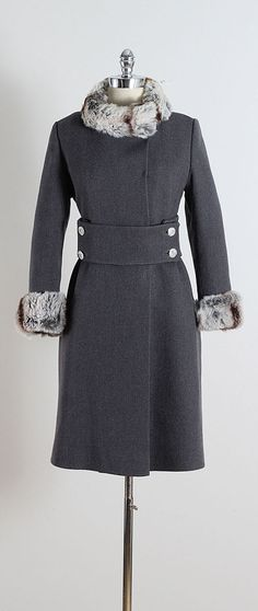 ➳ vintage 1960s coat * gray wool * chinchilla fur trim * acetate lining * button front * rhinestone button belt * pockets * by Carol Brent condition | excellent fits like m/l length 37 bodice 12 bust 38-40 waist 36 shoulders 16.5 sleeves 21.5 hem allowance 1 3/4 some clothes may be clipped on dress form to show best fit for appropriate size. ➳ shop http://www.etsy.com/shop/millstreetvintage?ref=si_shop ➳ shop policies http://www.etsy.com/s...