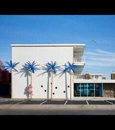 Blue Palms, par Bob Carey pour 'The Tutu Project'