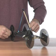 Mousetraps in Motion :: kinetic energy craft/demonstration from Steve Spangler Easy Science, Science Experiments Kids, Science Fair, Science For Kids, Science Projects, Science Tricks, Weird Science, Science Ideas, Science Activities