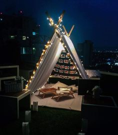 Garden Decoration Ideas For Dating On Your Valentine's Day 03 Romantic Date Night Ideas, Romantic Surprise, Romantic Dates, Romantic Picnics, Romantic Dinners, Tent Decorations, Birthday Decorations, Romantic Room Decoration, Terrace Decor
