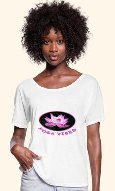 Yoga Motiv mit Lotusblüte für alle Romantiker unter den Yogalehrern, Yogaschülern und Yogapraktizierenden, Freunde von Achtsamkeit und Gelassenheit, Spiritualisten und Indien-Fans. Das Design ist auf über 100 Artikeln erhältlich, wie z.B. Shirts, Hoodies, Jacken, Taschen, Tassen, Handy- und Kissenhüllen, Schürzen, uvm. Pullover, V Neck, Tops, Design, Women, Fashion, Indian, Yoga Teacher, Friends