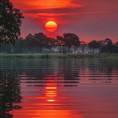 One of the most fiery sunset nature has to offer! Photo by One of the most fiery sunset nature has to offer! Photo by . Beautiful Nature Wallpaper, Beautiful Moon, Beautiful Sunrise, Beautiful Landscapes, Sunset Photography, Landscape Photography, Beautiful Nature Photography, Travel Photography, Beautiful Photos Of Nature