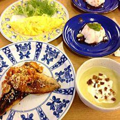 料理教室でした - 54件のもぐもぐ - 鯵のムニエル、プレーンオムレツ、グリーンピースのポタージュ、チーズ風味のブラマンジェ by torakichi6