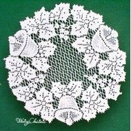 Doilies Holly Bells 12 R White Set Of (2) Oxford House