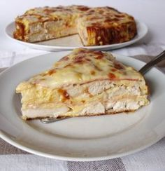 Hearty chicken pie with ham and cheese Ham And Cheese, Quiche, Low Carb, Food And Drink, Healthy Recipes, Meat, Cooking, Breakfast, Ethnic Recipes