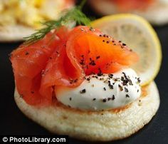 The Dukan Diet just got better: Now you can eat gourmet food AND stay slim Dukan Diet Recipes, Gourmet Recipes, Appetizer Recipes, Cooking Recipes, Salmon Appetizer, Tapas, Blinis Recipes, Vol Au Vent, Snacks