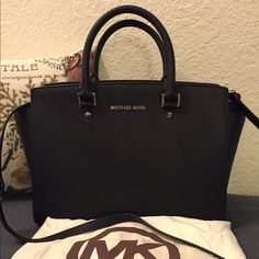 Michael kors black lg saffiano leather Selma NWT Would love to trade this for a Louis Vuitton wallet. Beautiful for any occasion. A classic Michael Kors Bags Satchels