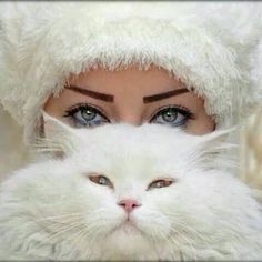 Photo by carmenmbonilla Madrid Girl, Animals And Pets, Cute Animals, Couple With Baby, Men With Cats, Cute Cat Wallpaper, Witch Cat, Cute Faces, Beautiful Eyes