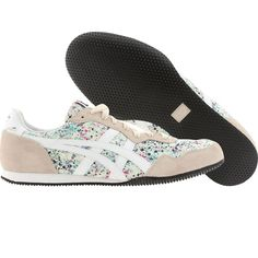 Me want!! Chope! Asics Onitsuka Tiger Women Serrano (mint / white) D3G3N-6701 - $79.99 Color Coordinated Closet, Onitsuka Tiger Women, Girl Swag, Pumps, Heels, White Shoes, Types Of Shoes, Live Life, Asics