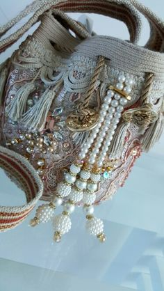 Lace Purse, Fringe Purse, Vintage Crafts, Shabby Vintage, Blue Jean Purses, Mochila Crochet, Shabby Chic Stil, Wooden Bag, Potli Bags