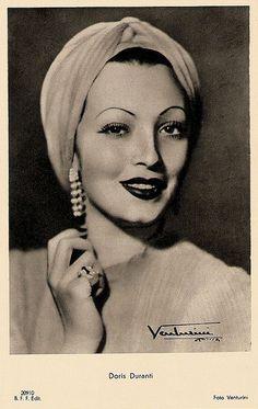 Italian actress Doris Duranti www. Italian Women, Italian Beauty, Italian Fashion, Turbans, Headscarves, Vintage Photographs, Vintage Photos, Vintage Beauty, Vintage Fashion